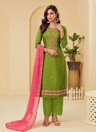 Pleasing Green Color with Georgette Base Salwar Kameez