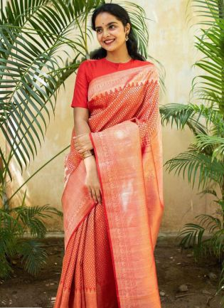 Classy Red Color Kanchipuram Silk Wave Bollywood Saree
